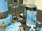 proimages/products/Food-Canning-Machinery/Automatic-seamer/S-C33B_3.jpg