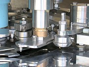 proimages/products/Food-Canning-Machinery/Automatic-seamer/S-C87_4.jpg